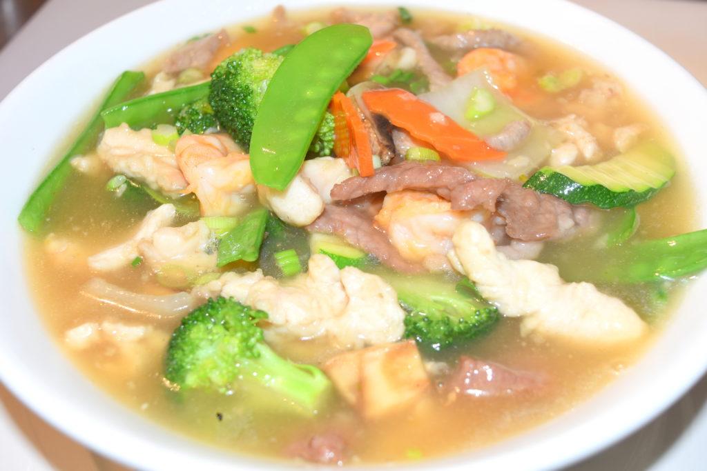 21. Wor Won Ton Noodle Soup 鍋雲吞湯面