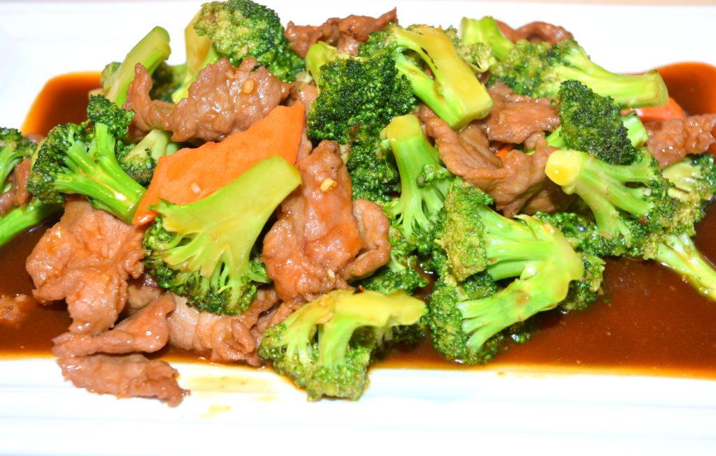 82.  Broccoli Beef 芥蘭牛