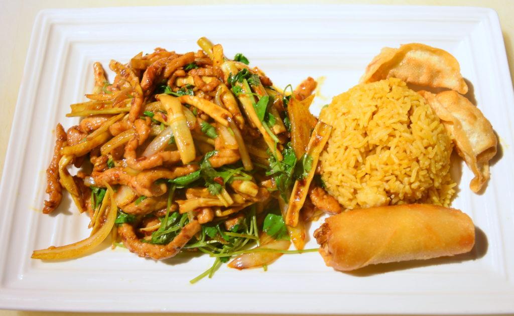 D33. Pan Fried Pork w/cilantro 小炒肉丝